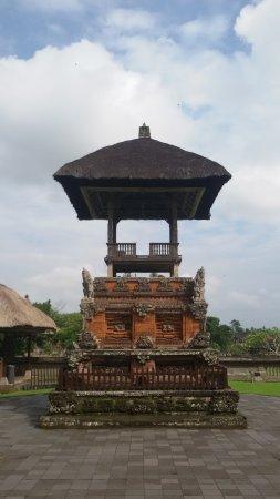 Mengwi, Indonesia: sa;ah satu sudut komplek pura