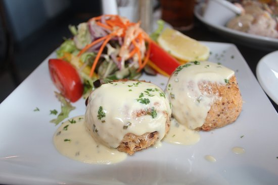 Linnane's Lobster Bar : Crab Cakes