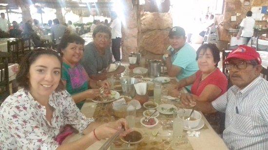 Mani, เม็กซิโก: Un ambiente familiar y comida deliciosa!