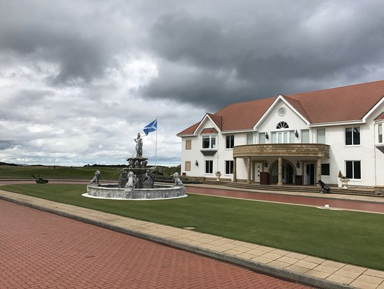 Turnberry Ailsa - Clubhouse & Fountain