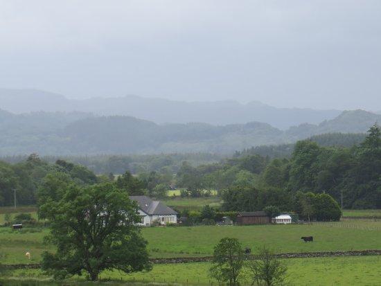 Kilmartin, vue du cimetière par temps pluvieux