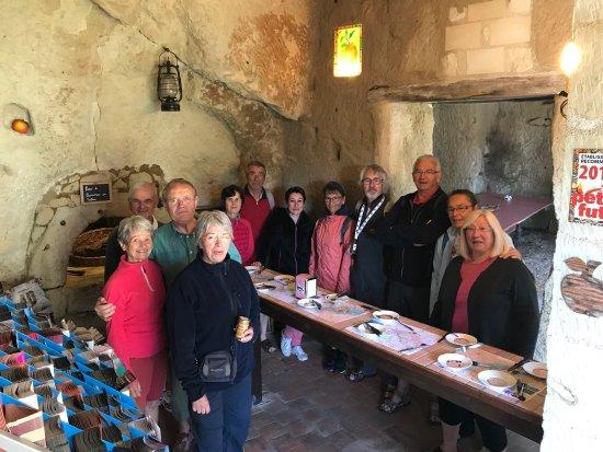 Turquant, France: Le troglo des Pommes Tapées du Val de Loire