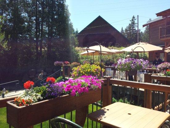 Callahan S Lodge And Restaurant