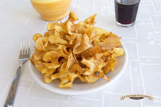 Canicatti, Италия: Patatine fresche fritte, croccanti e corpose.