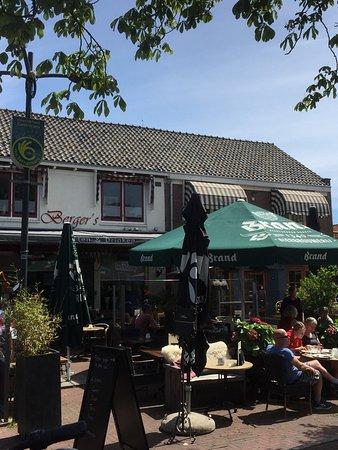 Het terras van Berger's in Castricum