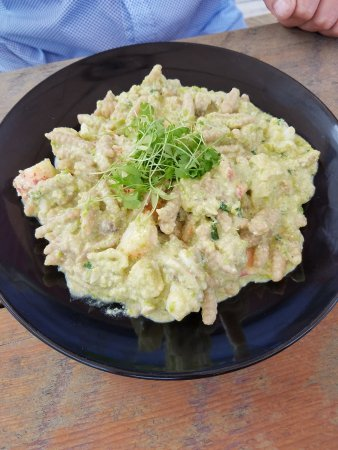 Roscoe, NY: Fresh pasta with Maine lobster & creamy pea sauce