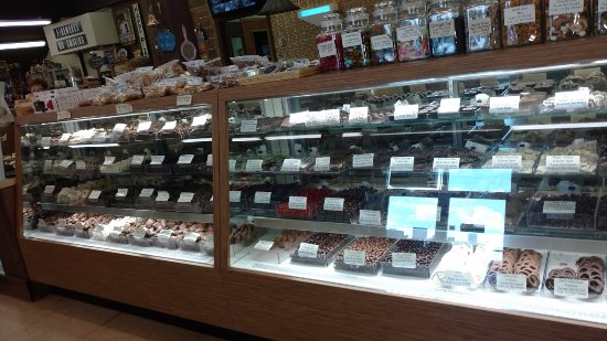 Kingdom City, MO: Tons of candy and fudge