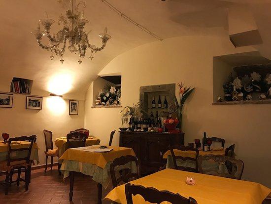 Villafranca in Lunigiana, Italy: Alla Piazza di Sopra