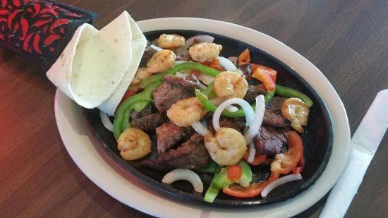 Norfolk, NE: Steak and Shrimp Fajitas