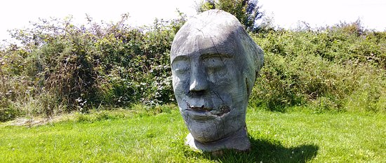 Llanddeusant, UK: Sculpture in LLynon Mill Garden