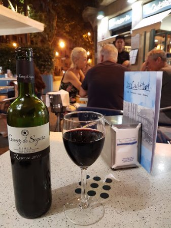 Los Cachitos: Excellent value wine options made for a great value meal