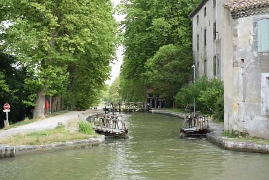 Castelnaudary, France: Les 4 Écluses Saint-Roch
