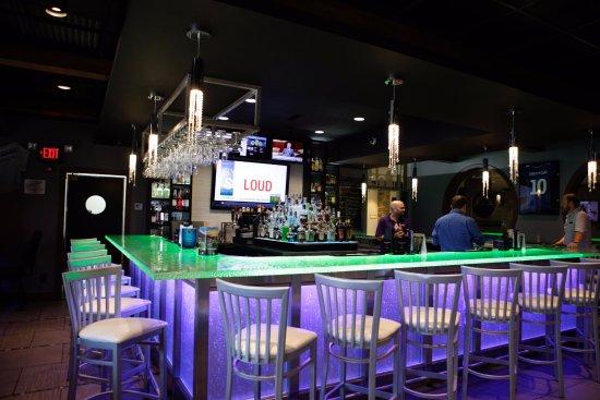 Charleston, IL: Lounge