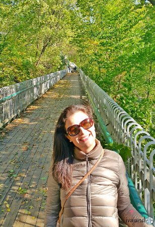 La Promenade des Gouverneurs : Um passeio público suspenso adorável que circula toda a Citadelle