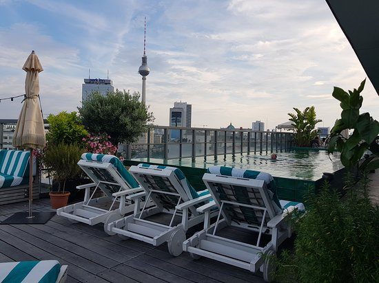 Soho House Berlin: 20170711_193853_large.jpg