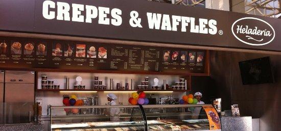 Crepes & Waffles: su variedad de helados es casi infinita, son muy ricos todos