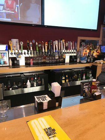 Mount Vernon, OH: beer taps