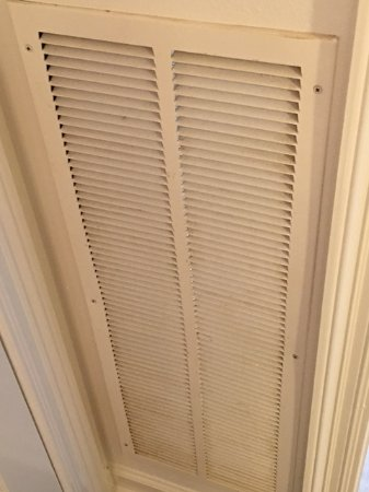 The Pearl of Navarre Beach: Dirty vent