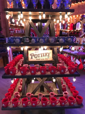 Santa's Wonderland : Shop for the perfect Christmas gift!