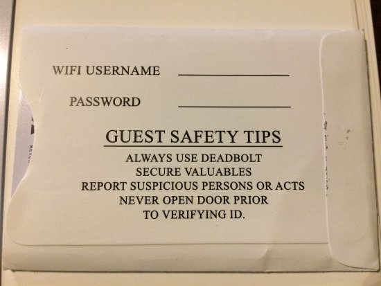 Emerald Coast Inn & Suites: Safety reminders from the key card holder!