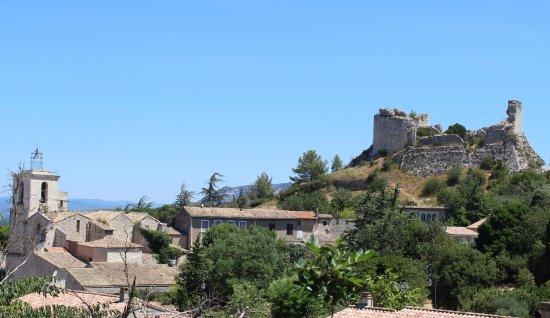 ORGON: Eglise ND de l'Assomption et les ruines du Château