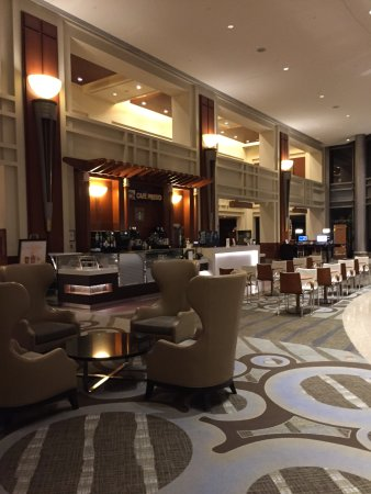Hilton Boston Logan Airport: Lobby