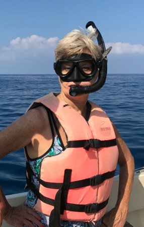 Kealakekua, HI: Even our first time snorkeler, fully equipped, had a blast!