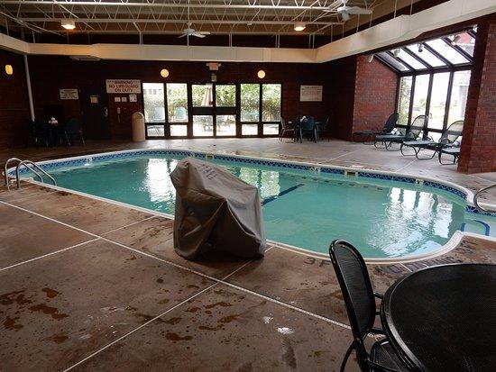 Collinsville, IL: Pool