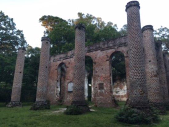 Old Sheldon Church Ruins: Old Sheldon at sunset