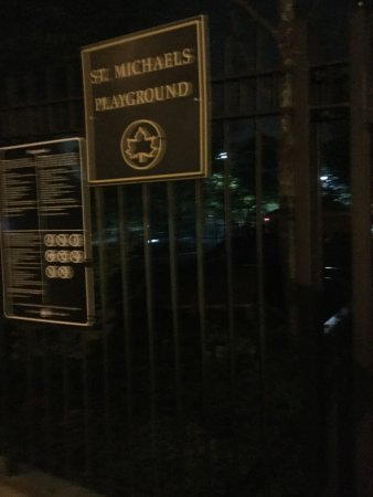 Woodside, NY: Entrance -31st Avenue side to the playground -night shot.