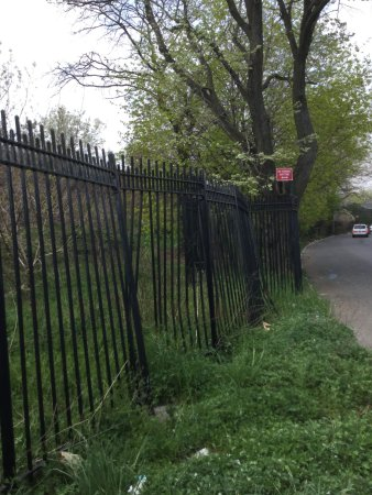 Woodside, NY: collapsed side gate to 68th Street