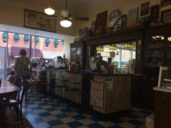 Chanute, KS: Soda Bar