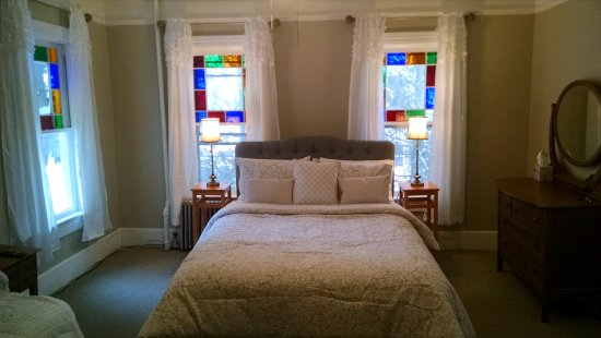 Fleischmanns, NY: Esopus - 2nd floor, queen bed, daybed, trundle, private bathroom