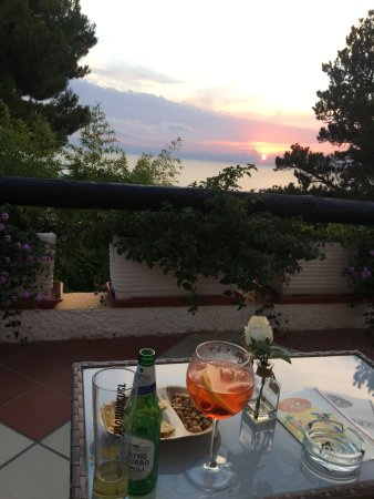 Villa Le Magnolie: Scorci di paesaggio dalla Villa!