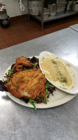 Noblesville, IN: Cast Iron Pan Fried Chicken with Truffle Mashed Potatoes and Gravy