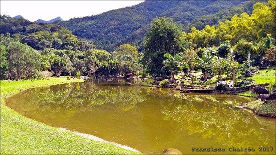 Lumiar, RJ: Lago com pedalinhos e barco a remo.