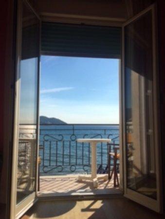 Hotel Jasmin : camera suite vista mare
