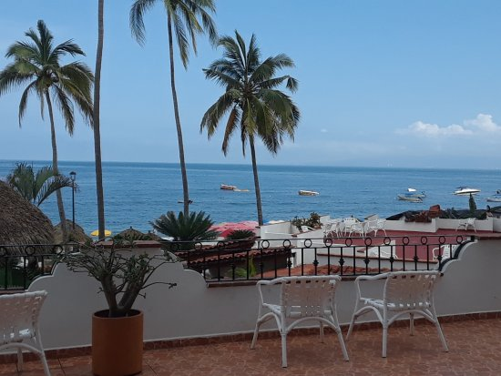 Tropicana Hotel: 20170630_110652_large.jpg