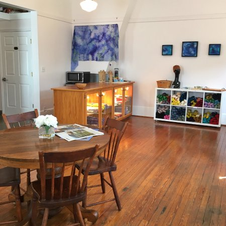 Sperryville, VA: Blue Ridge Artisans Gallery and Shop
