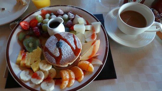 Clonmara Bed & Breakfast: Artistically presented