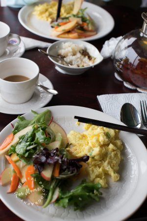 Smith River, Kalifornia: Breakfast 3rd course - eggs and salad