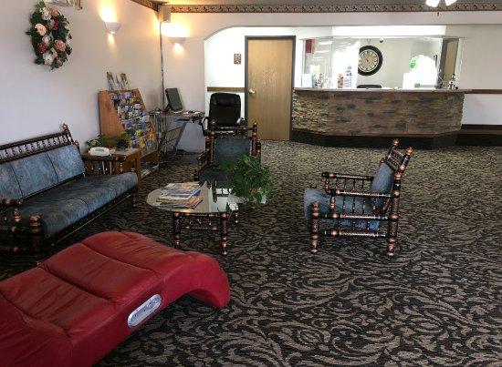 Americas Best Value Inn Green River : Lobby
