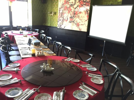 Michael Wan's Mandarin Cantonese Restaurant: Our 1st Floor Blossom Room offers a great venue for conferencing.