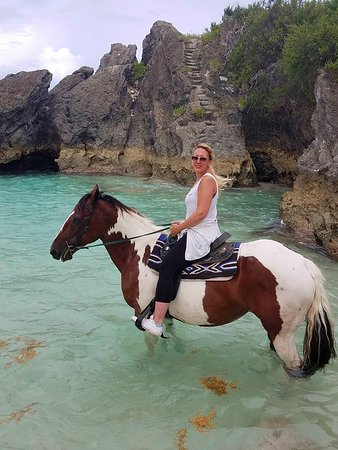 Spicelands Riding Centre: 7am ride allows you to take the horse into the water.