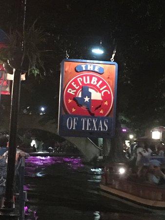 Republic of Texas Bar & Grill : photo1.jpg
