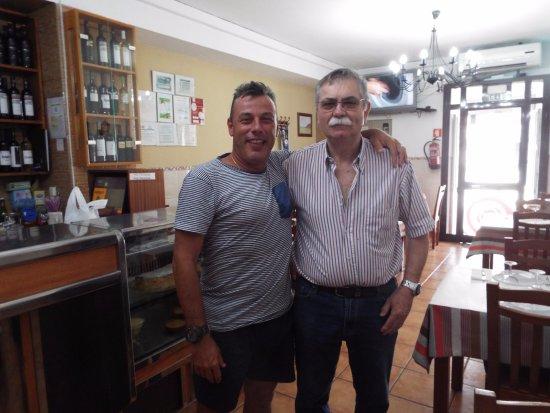 Café / Restaurante o Molho: O Dono, o Sr. Joaquim, uma pessoa muito simpática