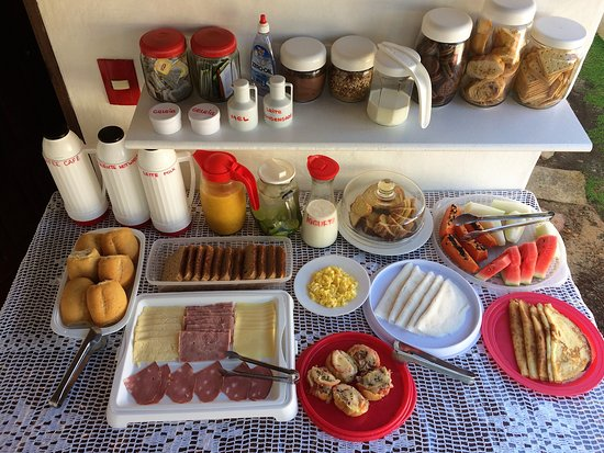 Pousada Atlantis: Enjoy our breakfast, always included into the daily rate!