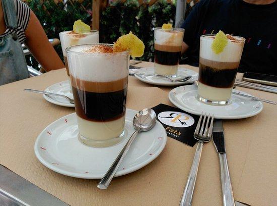El Escorial, Spain: Cafés barraquiti y Smoothies caseros de fruta fresca 🤗
