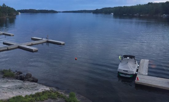 Muskoka District, Canadá: The view from our table at Windows at Rocky Crest Resort