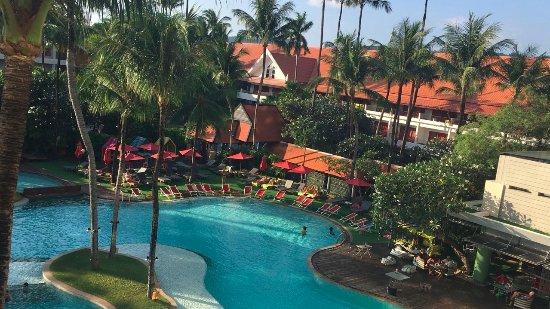 Patong Beach Hotel Photo